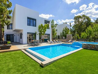 Villa Summer Dawn - Brand new stunning villa close to beach and restaurants