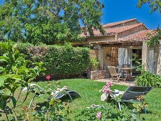 Minivilla studio 'dracena' private garden, barbecue and sun 5 min from the beac