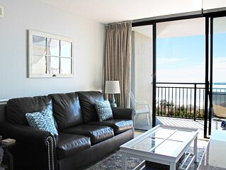 Direct Oceanfront Condo* Beautiful One Bedroom * Newly Remodeled Bathroom!