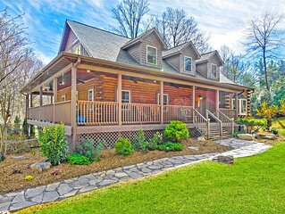NEW! VERY SPECIAL CABIN, 4 King BRMS, 3.5 BATHS, FIREPLACE, FIRE PIT