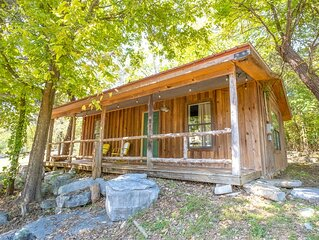 Jack's Bend~ A Guest Cottage ON Sylamore Creek