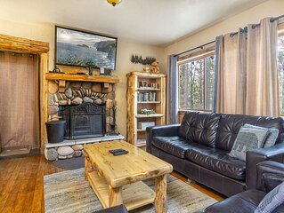 Living Log Cabin~Comfortable Furnishings~Equipped Kitchen~Fenced Yard~Laundry~