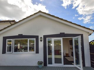 Comfortable cottage provides light and airy accommodation suitable for dog owner