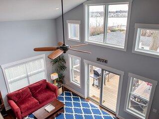 Open concept cottage on Kalamazoo Lake - Sleeps 12