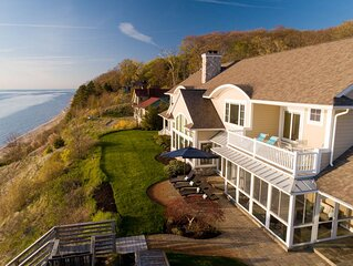 Lakefront retreat featuring 8 bedrooms and private beach