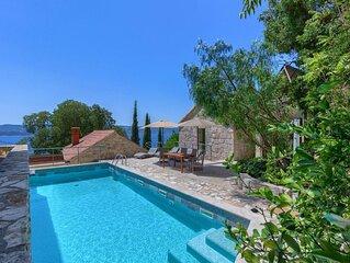 Villa Eden für 14 Personen, privatem Pool, 3 separate Steinhäuser, Internet, Str