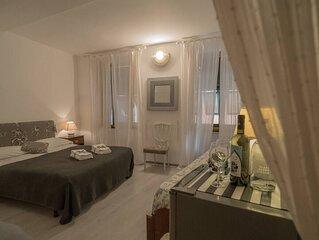 Rissu Room graziosa  elegante camera centro paese 3 posti letto