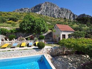 Ferienwohnung mit Pool und Terrasse
