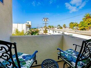 20% OFF thru FEB - Bright Sanctuary w/ 2 Master Suites + Walk to Beach