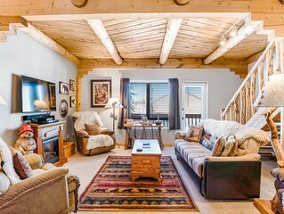 NEW! Family friendly condo near lakes, slopes, golf, hot springs -dogs OK