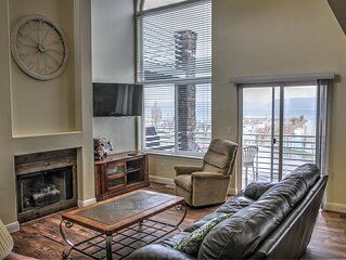 Yacht Drive Town Home 930 # 3 New flooring on main level (Free Wi-Fi)