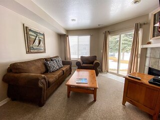 14-Plex #114- 1 bedroom condo on the ground level sleeps 4 with private entrance