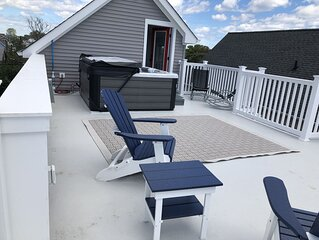 11/2 Blks to Beach Rooftop HOT TUB, Great beaches