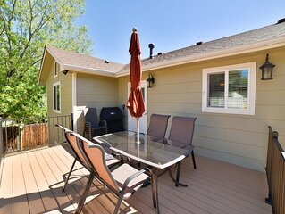 Sunny Central Hideaway-2 min to UCCS with Spacious and private floor plan!