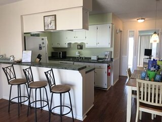 GREAT VIEWS - Affordable Price - Sleeps 4 - One bedroom across from Beach and Fr