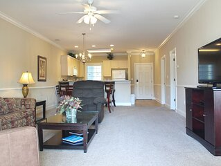 Lake View & Spacious MB Condo! Steps to Famous Myrtlewood Golf Course in MB!*