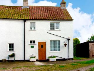 HEAPFIELD COTTAGE, pet friendly, country holiday cottage, with a garden in Nafferton, Ref 3612