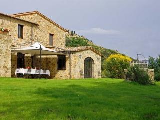Villa San Gio vacation holiday rental villa montalcino tuscany - Rent thisMontalcino villa