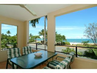Mediterranean Beachfront Apartment, Cairns Region