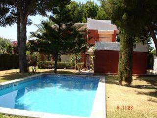 Villa con piscina (1B-53)