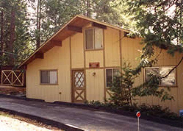 Fabulous lakeview home- internet, deck, BBQ, handicapped accessible, holiday rental in Mi Wuk Village