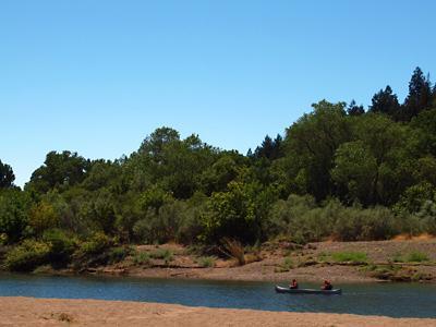 Villa Eileen, Canoers enjoying the lazy Summer River