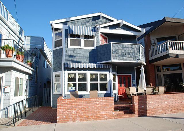 Fabulous two story single family home within walking distance of all the Balboa Pier and surrounding area has to offer.