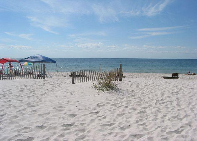 Clearwater 6D ~ Cute, Comfortable and Convenient ~ Bender Vacation Rentals, location de vacances à Gulf Shores