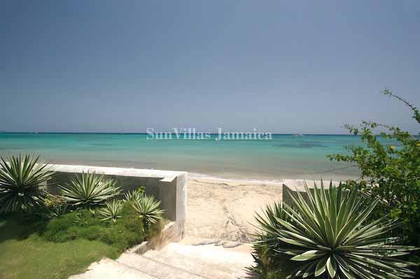 Strand direkt vor Bahia Cottage