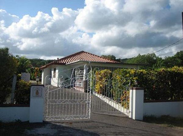 Pineapple Cottage - Silver Sands 2 Bedrooms, location de vacances à Silver Sands