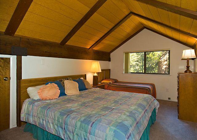 Tahoe Tryol 3336  upstairs loft - king and 1 twin