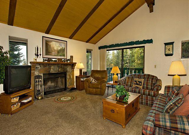 Tahoe Tyrol 3407 living room