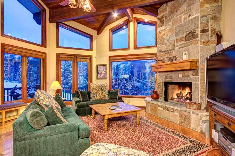 Window,Indoors,Room,Oven,Furniture