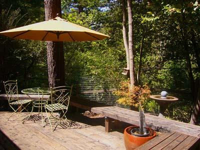 Falling Leaf Vacation Rental, Private Front Deck