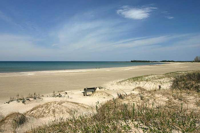Beach House: Cottage Three: The Great Escape, alquiler de vacaciones en Bruce County
