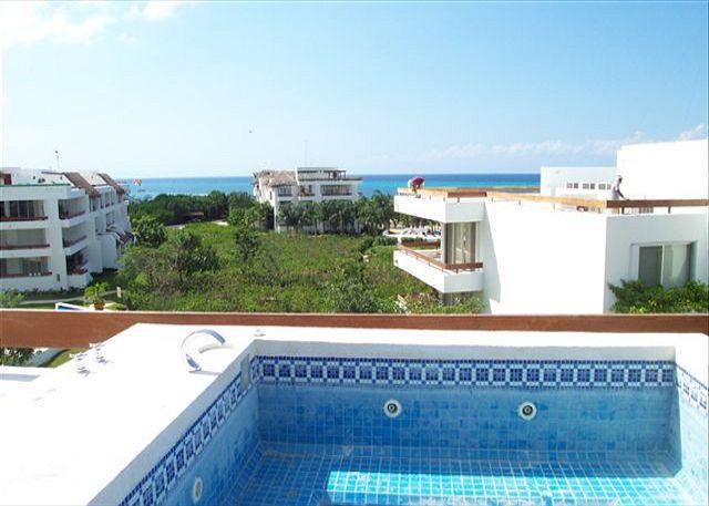Oceanview Rooftop Solarium with tub