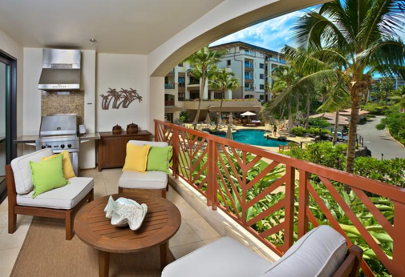 Island Oasis M111 - Large Outdoor Terrace With BBQ, Partial Ocean & Pool View