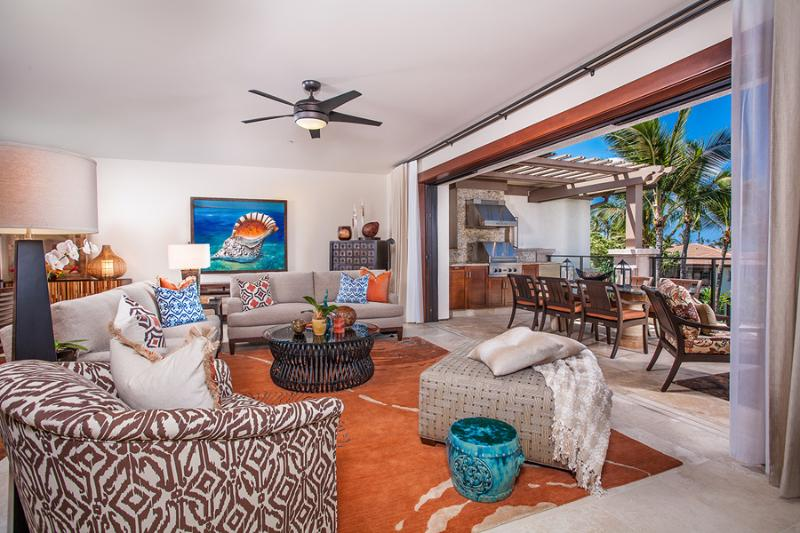 Welcome to C301 Sun Splash Villa. A select Wailea Beach Villa home with stunningly pretty indoor and outdoor living. C301 features panoramic ocean views, top quality decor and abundant 5-star amenities for entertaining and relaxation. Professionally Selec