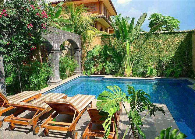 Pool-