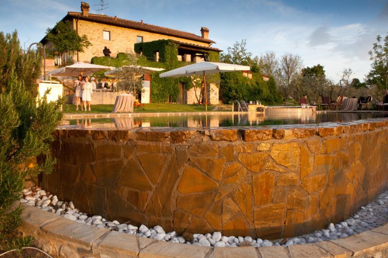 Luxury Chianti Villa Near a Small Town - Casa dei Frati, vacation rental in San Casciano in Val di Pesa