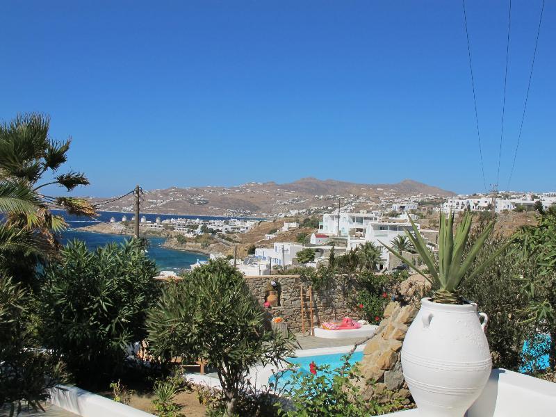 Luxury Villa Rental on Mykonos with Chef - Villa Mykonos, vacation rental in Troulos