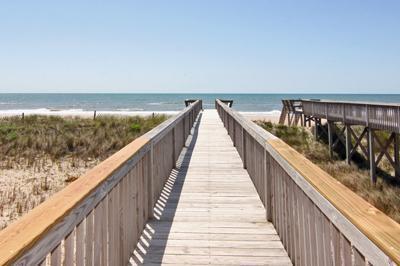 Paseo de cubierta más baja a la playa