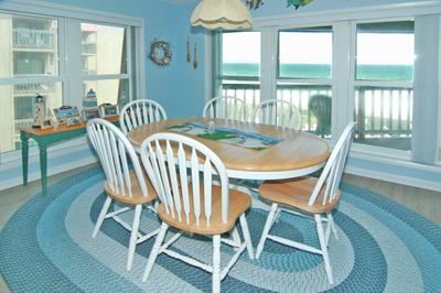 Dining area also has great ocean view!