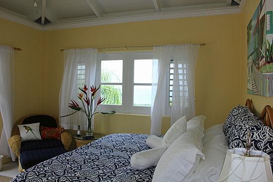 Segundo dormitorio principal en suite ya sea con cama king o 2 individuales - su elección.