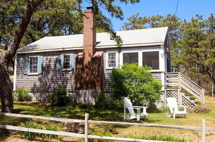 Piney Ridge Cottage at Surf Side - Walk to ocean beach, location de vacances à Wellfleet