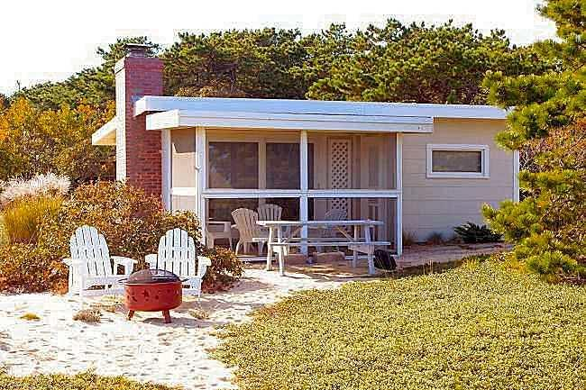 Ocean Breeze Cottage at Surf Side 200 steps from the ocean beach, vacation rental in Wellfleet