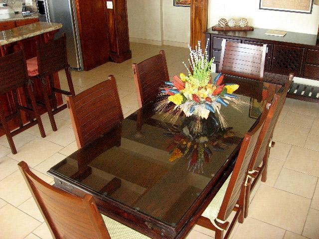 comfortable and elegant in-condo dinning
