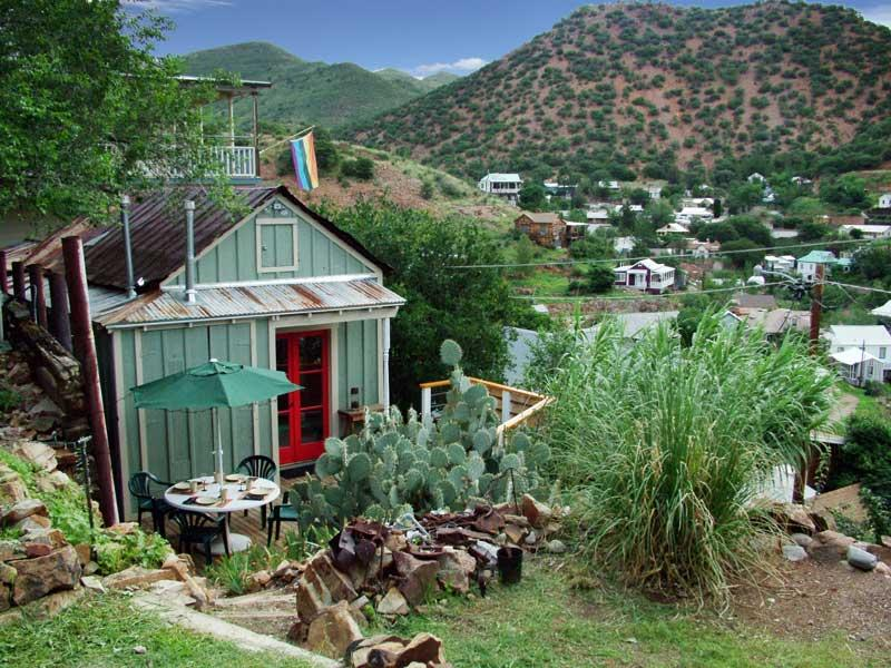 Doublejack Guesthouse perched hillside with views of Old Bisbee and into Mexico