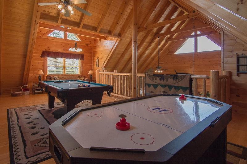 Loft Game Room/Air Hockey,Pool Table,PS3/Games,Movies