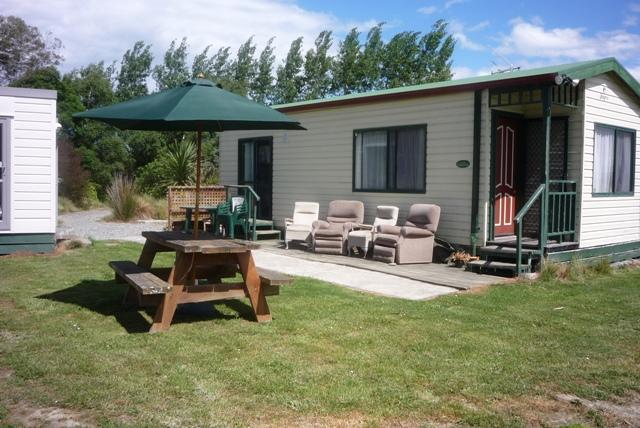 Aoraki Cottage B&B / Adventure Farmstay, holiday rental in Orari
